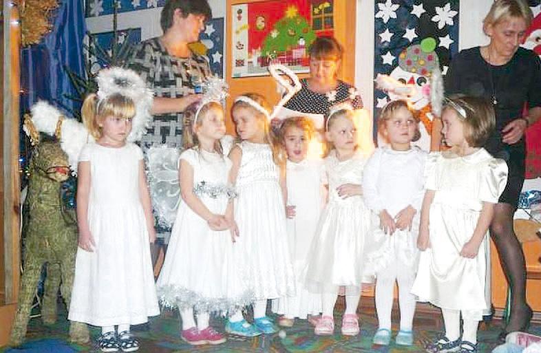 W Gminnym Przedszkolu w Siennicy odbyło się spotkanie opłatkowe dla  przedszkolaków 51a03d68054
